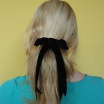 DIY: Velvet ribbon hair bow