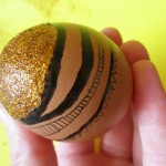 DIY: Glitter top Easter egg