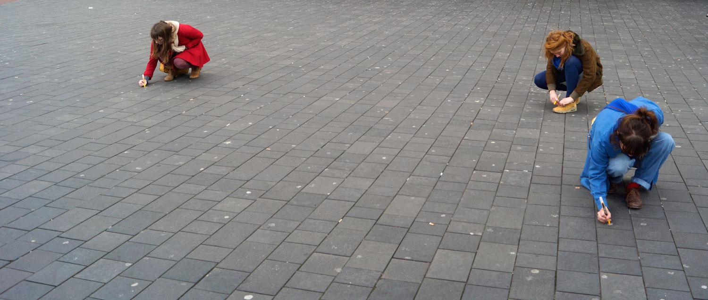 gum egg street art